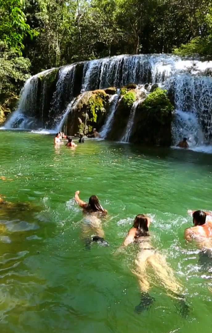 Passeio de Cachoeiras em Bonito, MS na Estância Mimosa